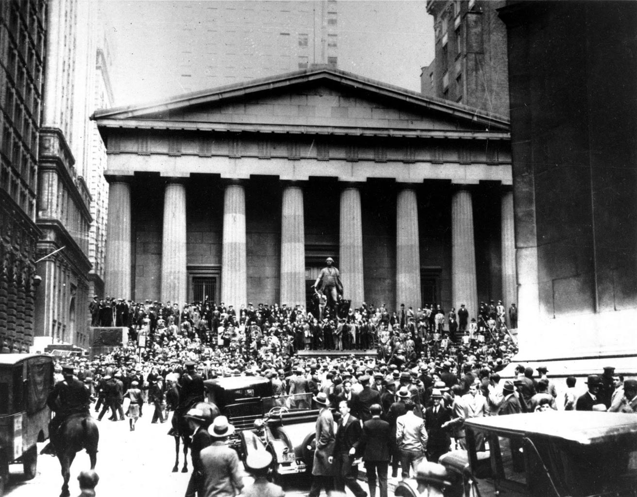 an overview of the stock market crash of 1929s in united states United states -- wall street crash the wall street crash of 1929, is the stock- market crash that occurred starts on october 28th and started the period of the.