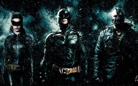 Catwoman, Batman e Bane in fila