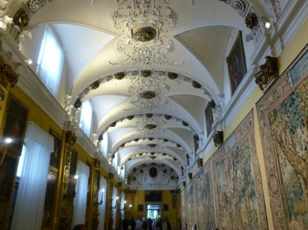 Borromee - Palazzo Borromeo - Corridodio dipinti