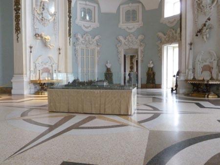 Borromee - Palazzo Borromeo - Ingresso con isola in miniatura