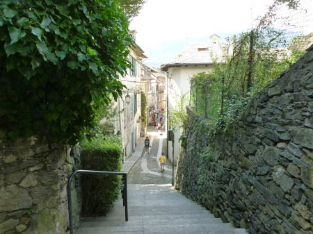 Orta San Giulio - Viale interno