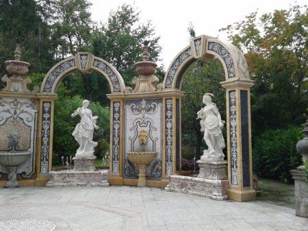 Stresa - Grand Hotel Des Iles Borromees - Statue