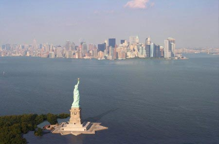 Nickolay Lamm - New York City sommersa dal mare - 7,5 metri