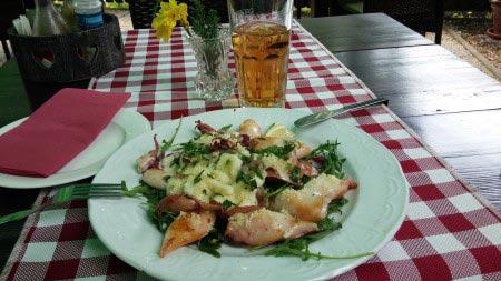Slovenia - Calamari con prosciutto e mozzarella