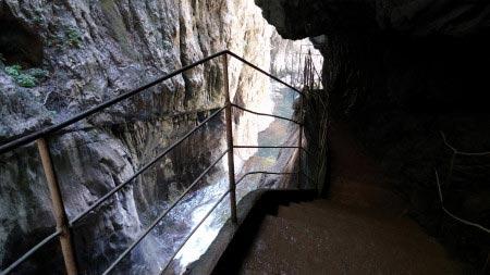 Slovenia - Grotte di San Canziano - ingresso cascate