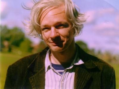 Julian Assange a mezzobusto