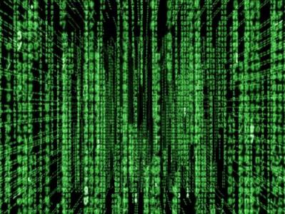 Codice verde su schermo nero