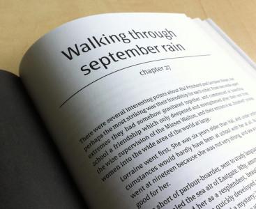 Pagina di libro in procinto di sfogliarsi